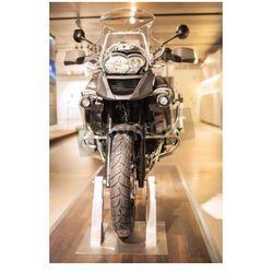 Fototapeta Monachium, Niemcy - 17 czerwca 2012: BMW R 1150 GS Enduro klasy pokazano widok z przodu motocykla BMW Museum w
