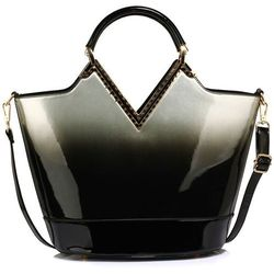 899ee014f8da3 wloska torebka kuferek czarna skora lakierowana w kategorii Torebki ...