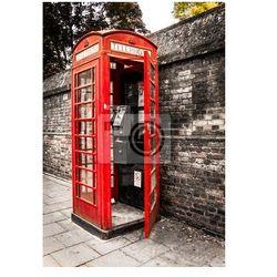 Plakat Old English Budka telefoniczna na bocznej ulicy w Londynie w Wielkiej Brytanii Anglii