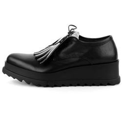 Czarne skórzane buty z frędzlami