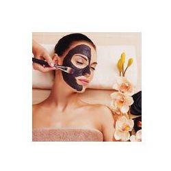 Foto naklejka samoprzylepna 100 x 100 cm - Kosmetolog rozmazuje kosmetycznych maski na twarz kobiety
