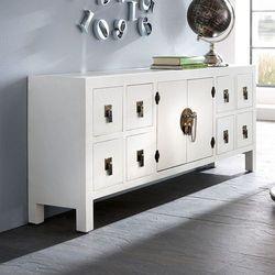 Komoda w stylu azjatyckim, osiem szuflad, metalowe okucia, kolor biały.