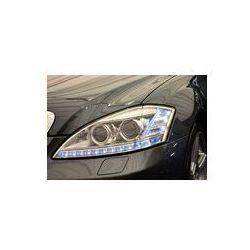 Foto naklejka samoprzylepna 100 x 100 cm - Światła do jazdy dziennej Zestaw