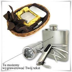 Zestaw: piersiówka, scyzoryk, latarka oraz ręcznik w wiklinowym koszu z możliwością graweru dedykacji, życzeń