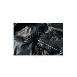 Foto naklejka samoprzylepna 100 x 100 cm - Rocznika czarne skórzane kurtki motocykla skóry wołowej