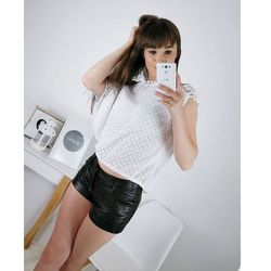 Przewiewna bluzka biała