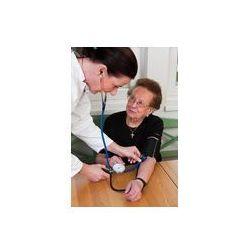 Foto naklejka samoprzylepna 100 x 100 cm - Patientin lekarz mierzy ciśnienie krwi